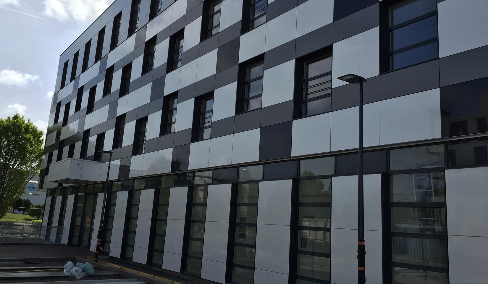 Barco : réalisation Tours Campus 2